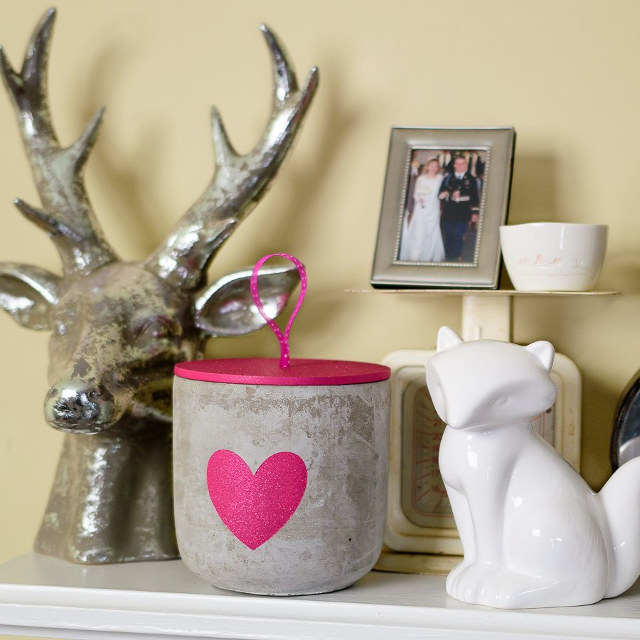 Valentine's Day concrete jar candle