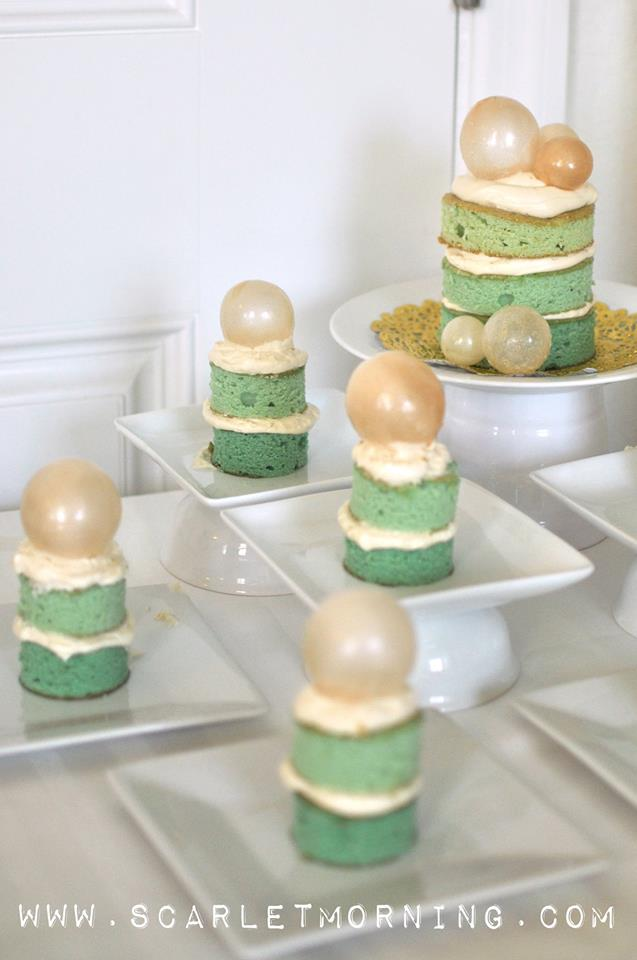 ombre naked cakes topped with gelatin bubbles