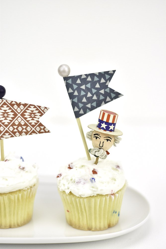 cupcake picks in 4th of july cupcakes