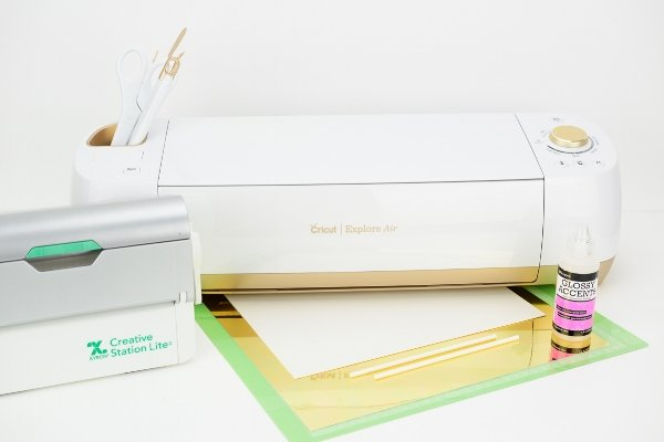 Cricut Explore Air with Xyron Creative Station Lite machine