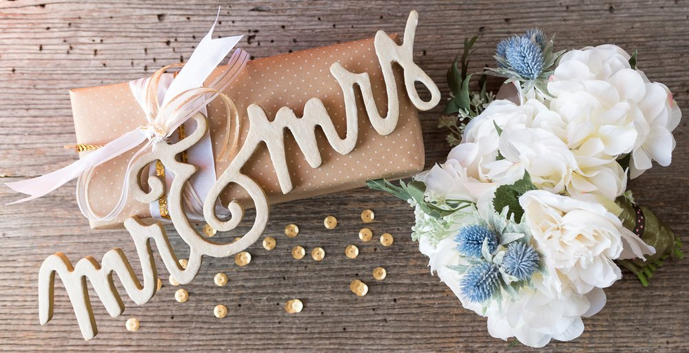 wedding gift topper with mod podge