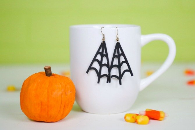 faux spider earrings from Hey Let's Make Stuff