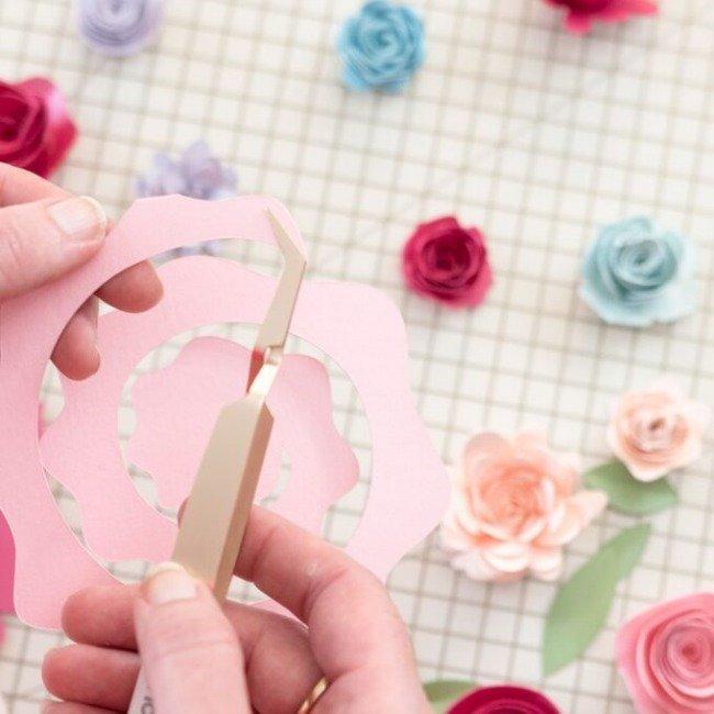 remove flower from Cricut mat