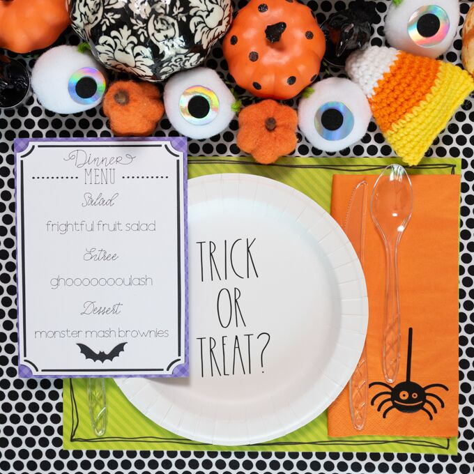 Halloween Table Setting with Cricut