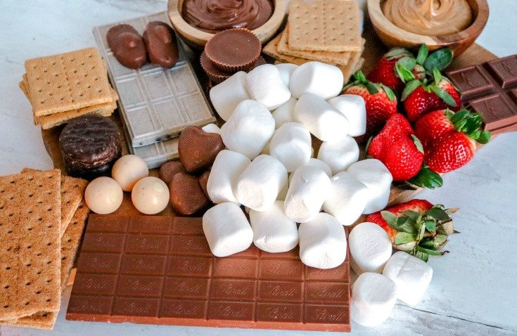 Smores Board chocolate bar and strawberries