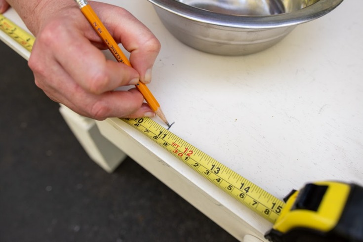 measuring coffee table for dog food bowls