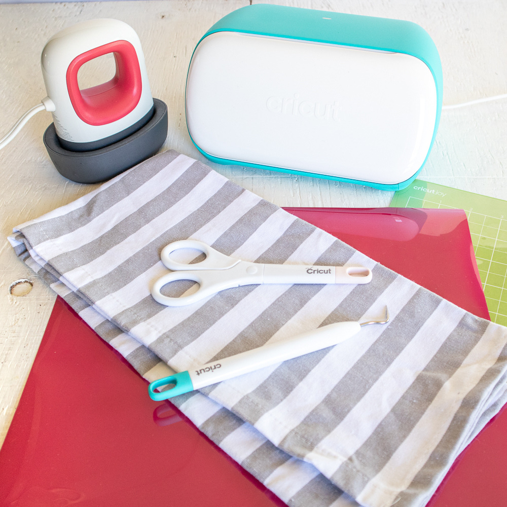 Cricut Joy and EasyPress Mini Tea Towel supplies