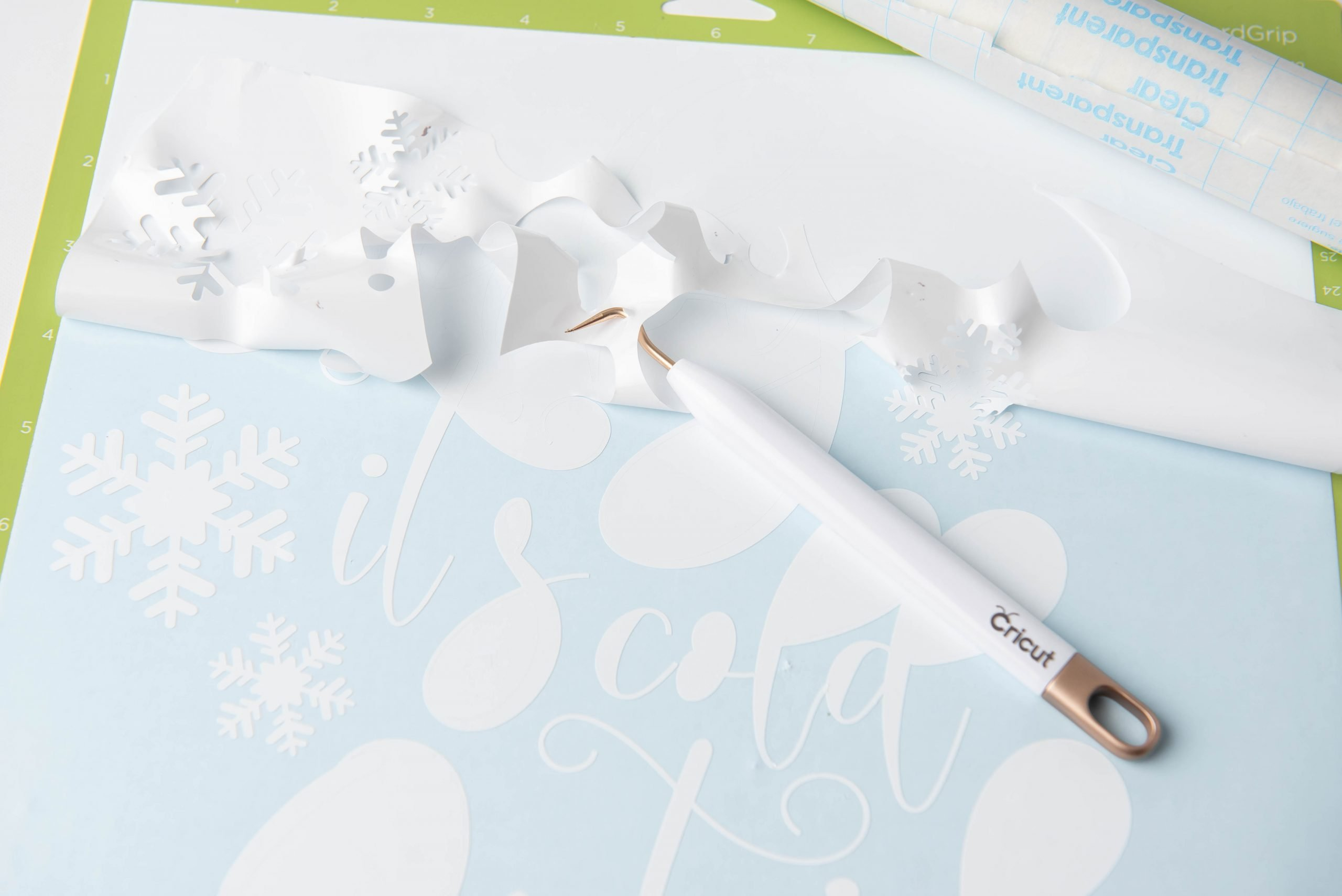 close up of cricut weeding