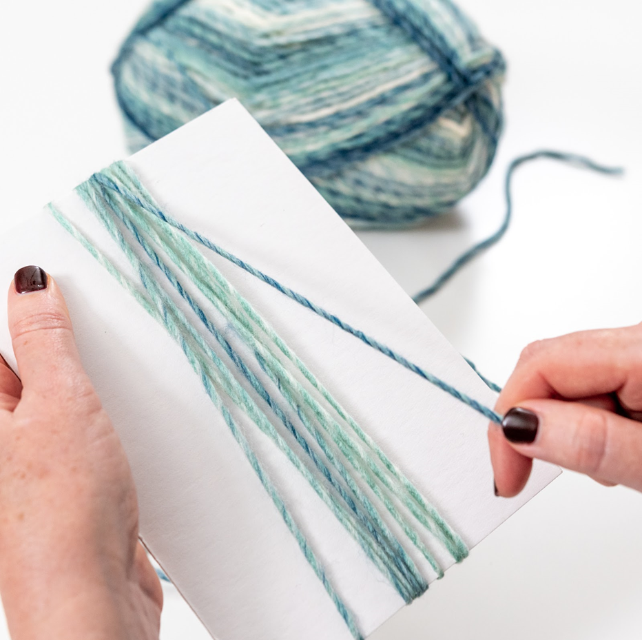 wrap yarn around chipboard